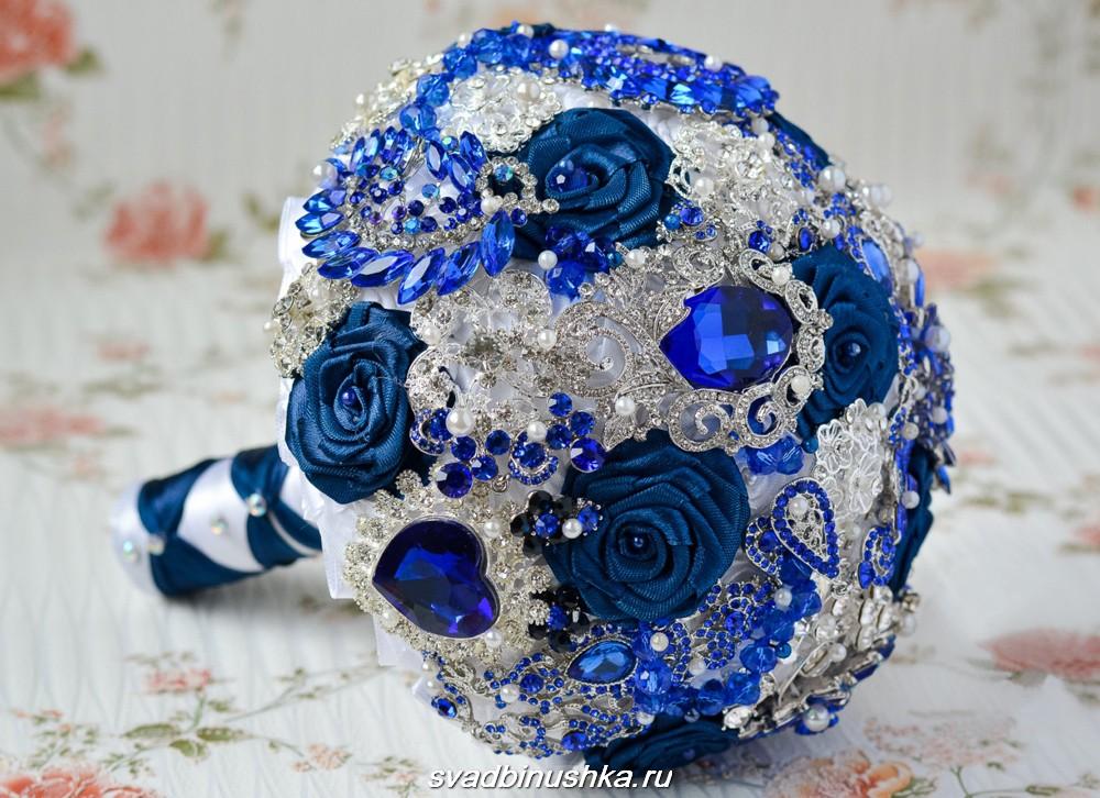 синий искусственный букет
